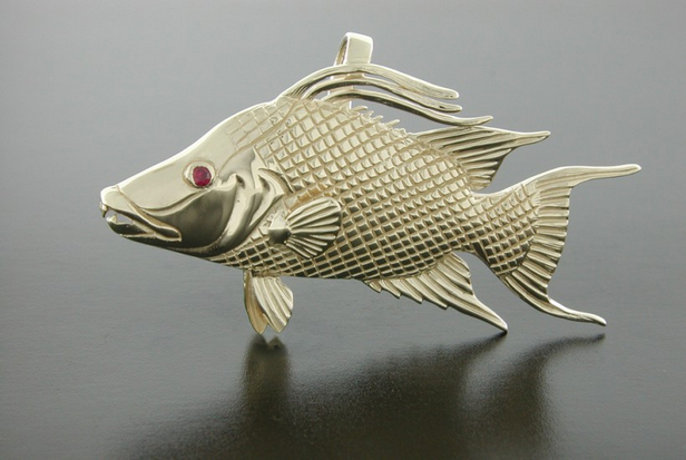 14K Yellow Gold Hog Fish Pendant