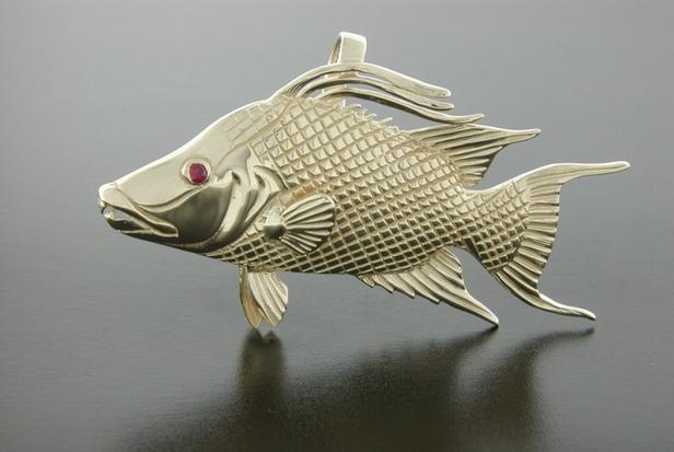 14K Yellow Gold Hog Fish Pendant