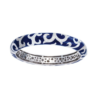 Royale Stackable Blue Bangle